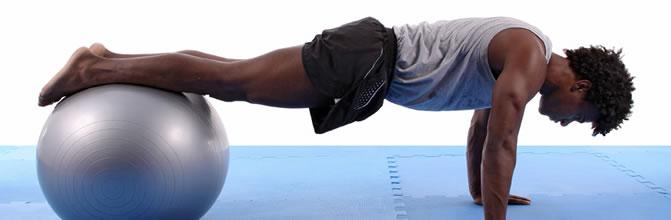 homem_pilates_bola3